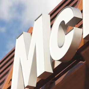mcdonald 39 s aurillac restauration rapide avenue des volontaires 15000 aurillac adresse horaire. Black Bedroom Furniture Sets. Home Design Ideas