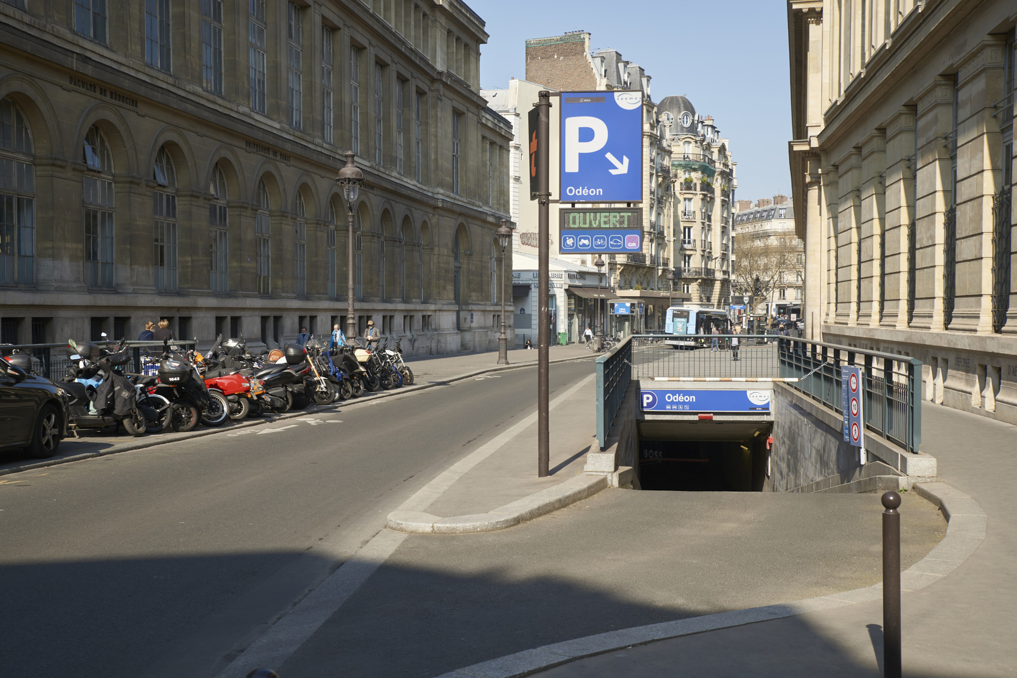 Parking Saemes Odéon - Parking - Paris